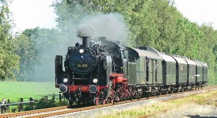 steam-locomotive-1377335_960_720