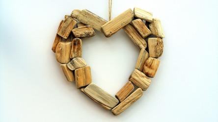 wooden-1767497_960_720