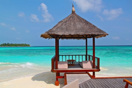 beach-hut-237489_960_720.jpg