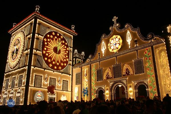 santuario_santo_cristo_noite_iluminado_festa_0_dr_ia_600-400