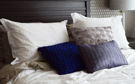 bed-2167288_1280.jpg