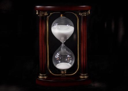 hourglass-695275_960_720.jpg