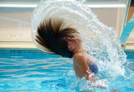 swimming-pool-830505_1280.jpg