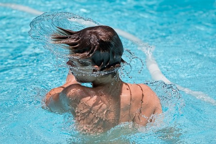 swimming-1925391_960_720.jpg
