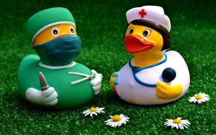 surgeon-2821375_1280.jpg
