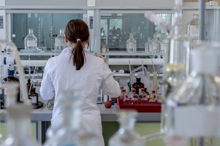 laboratory-2815641_960_720.jpg